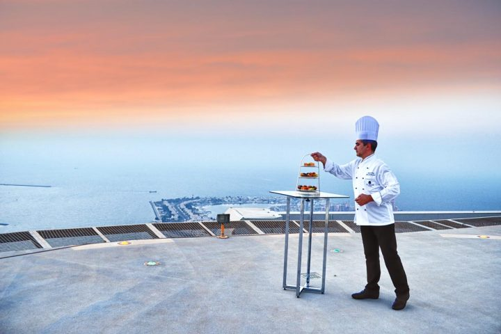 Stregis-Abudhabi-Helipad-Sunset-Supper-the-luxe-diary