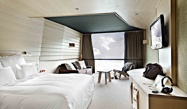 Altapura-Elegant-Resorts-Ski-Luxe-List-theluxediary-the-luxe-diary-2