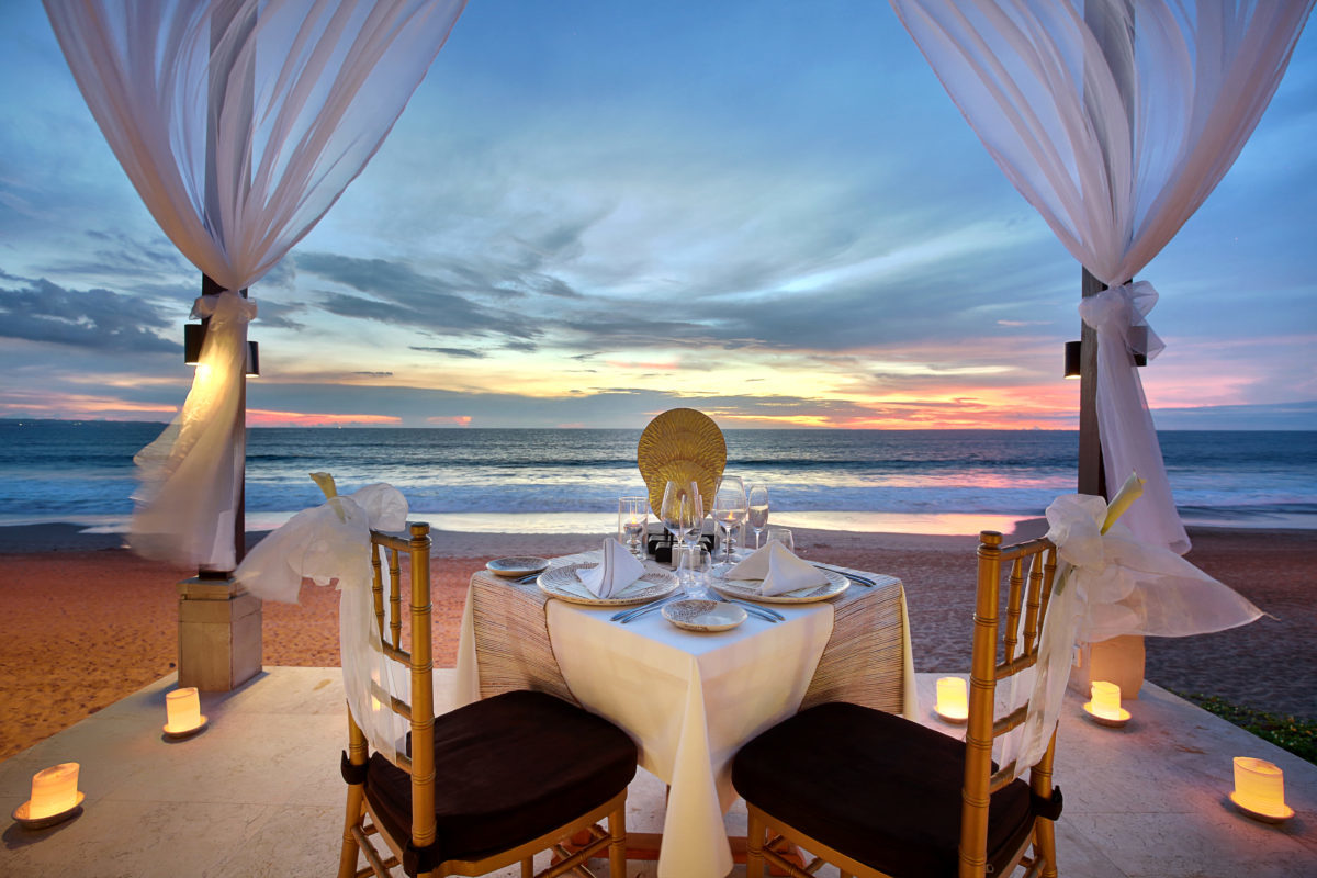 Purnama Pavillion - Candle Light Dinner set up | The Seminyak Beach Resort & Spa: A Tropical Island Getaway with Family this Ramadan and Eid-Al-Fit | The Luxe Diary